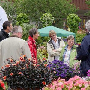 Führungen über das Gelände gaben Einblicke in die verschiedenesten Aufgabenbereiche des Gartenbauzentrums Geisenheim